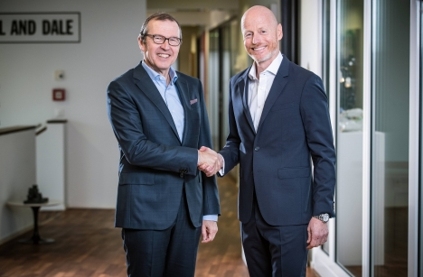 Mobiliar-CEO Markus Hongler (links) und Ringier-CEO Marc Walder bauen ihre Partnerschaft aus/ Foto: Mobiliar